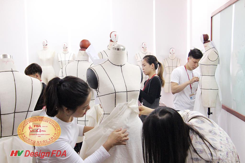 Lớp dựng rập 3D trên manocanh - Fashion Draping