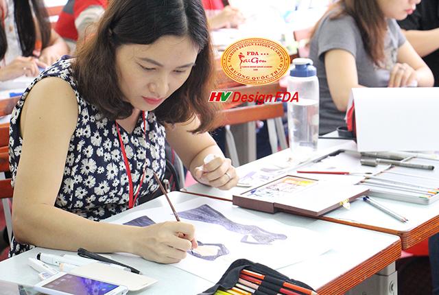 Lớp vẽ phác thảo thiết kế thời trang tại Trường Quốc Thảo