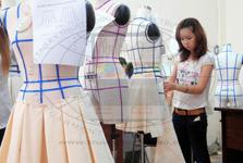 Hình ảnh lớp thiết kế rập thời trang cao cấp 3D trên mannequin